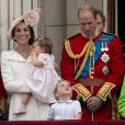 Le prince William, la duchesse Catherine de Cambridge et leurs enfant le prince George et la princesse Charlotte au balcon du palais de Buckingham le 11 juin 2016 lors de la parade Trooping the Colour.