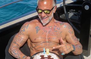 Gianluca Vacchi : La danse sexy et loufoque du millionnaire fait le buzz