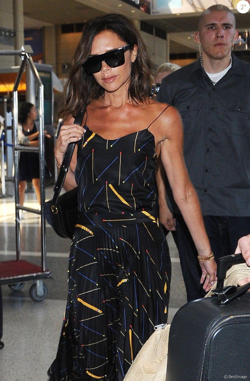Victoria Beckham arrive à l'aéroport de LAX à Los Angeles, le 31 juillet 2016