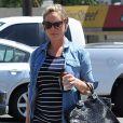 Exclusif - Katherine Heigl enceinte à la sortie d'un salon de manucure à Los Angeles, le 15 août 2016.
