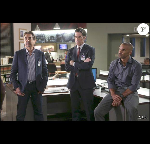 """Joe Mantegna, Thomas Gibson et Shemar Moore dans une scène de la série """"Esprits Criminels"""", diffusée sur la chaîne CBS."""