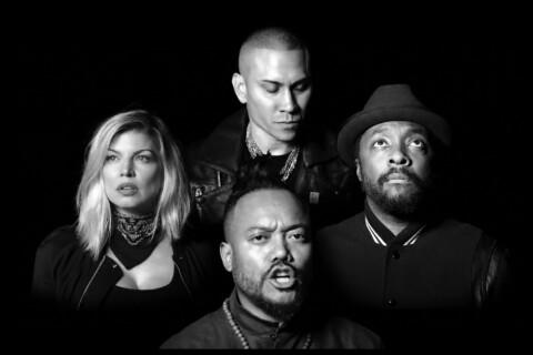 Kendall et Kris Jenner, Snoop Dogg : Les stars chantent avec les Black Eyed Peas