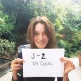 Carla Bruni se mobilise pour la promotion de En Coloc, la nouvelle web-série de Capucine Anav, qui sera diffusée sur Youtube, le 4 septembre prochain. Image publiée sur Instagram le 2 septembre 2016
