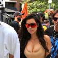 Kim Kardashian et son mari Kanye West font du shopping à Toronto, Canada, le 31 août 2016.