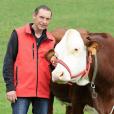 """Jean-Paul (37 ans), Bourgogne-Franche-Comté, candidat de """"L'amour est dans le pré 2016"""" sur M6."""