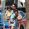 Wabe Robson et sa famille font des courses à Hawai, le 17 mai 2013