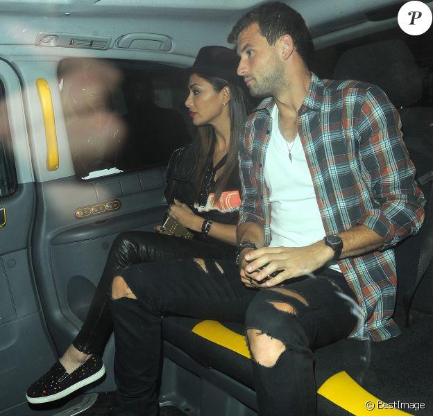 Nicole Scherzinger et son compagnon Grigor Dimitrov rentrent à leur hôtel après un dîner romantique au restaurant Sketch à Londres, le 21 juin 2016.