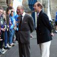 """Le duc d'Edimbourg et le prince Edward sont venus encourager la comtesse Sophie de Wessex au départ le 19 septembre 2016 de son périple à vélo, le """"DofE Diamond Challenge"""", depuis le palais Holyroodhouse à Edimbourg jusqu'au palais de Buckingham, pour le 60e anniversaire du Duke of Edinburgh's Award Scheme."""