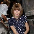 """Anna Wintour - Personnalités au défilé de mode """"Saint Laurent """", collection prêt-à-porter printemps-été 2017 à Paris, le 27 septembre 2016."""