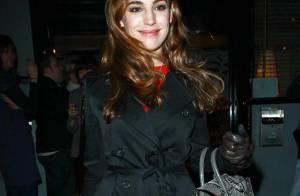 REPORTAGE PHOTOS : Kelly Brook, alias 'la femme parfaite'... en voilà une drôle de tenue pour aller en boîte !!