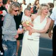 Kurt Cobain, Courtney Love et Frances Cobain lors des MTV Video Music Awards en 1993