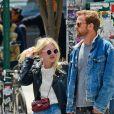 Dakota Fanning et son petit ami Jamie Strachan à la sortie d'un restaurant à New York, le 18 mai 2014.
