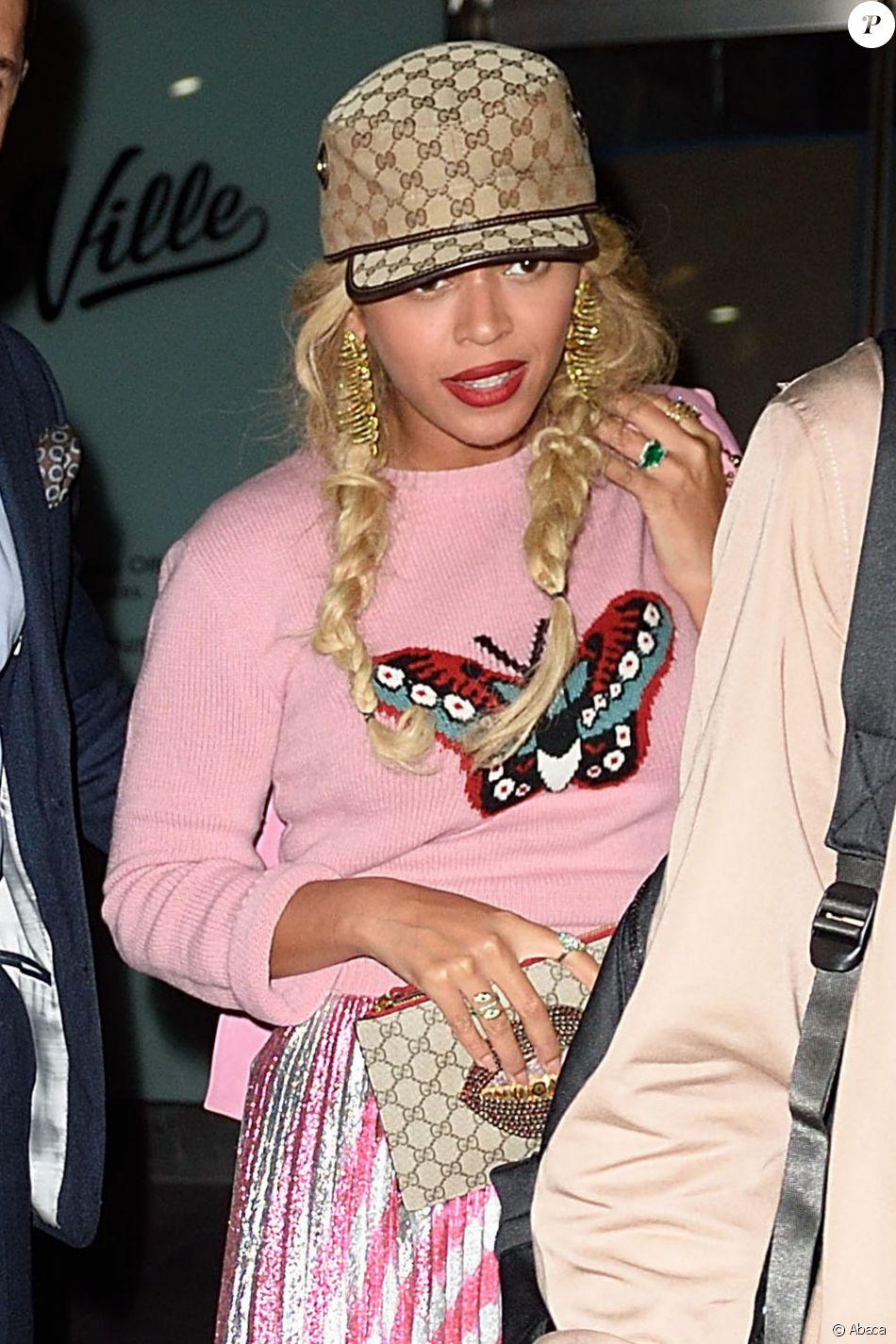 Beyonce Knowles et Jay-Z sortent d'un dîner à New York, le 5 octobre 2016.