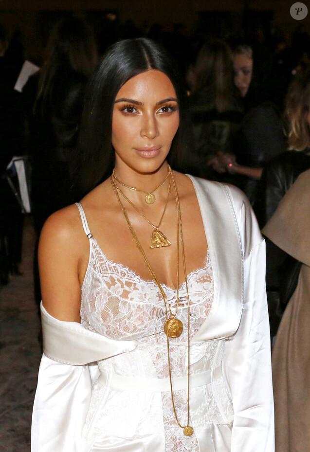 """Kim Kardashian au défilé de mode """"Givenchy"""", collection prêt-à-porter Printemps-Eté 2017 lors de la Fashion Week de Paris, France, le 2 October 2016. © Agence/Bestimage"""