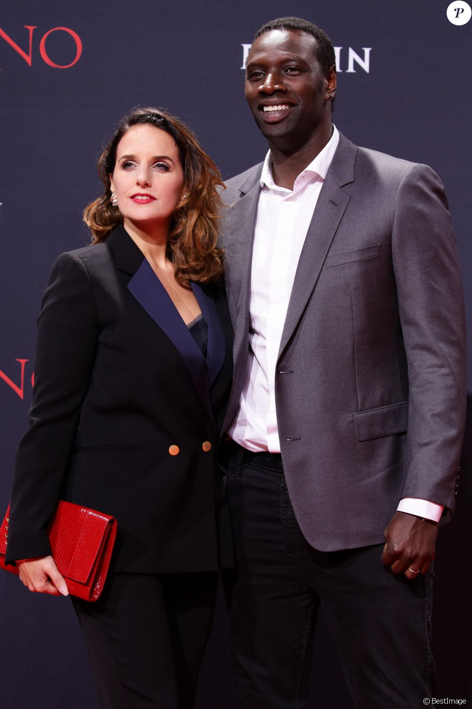 omar sy et sa femme h l ne couple divin face la superbe felicity jones purepeople. Black Bedroom Furniture Sets. Home Design Ideas