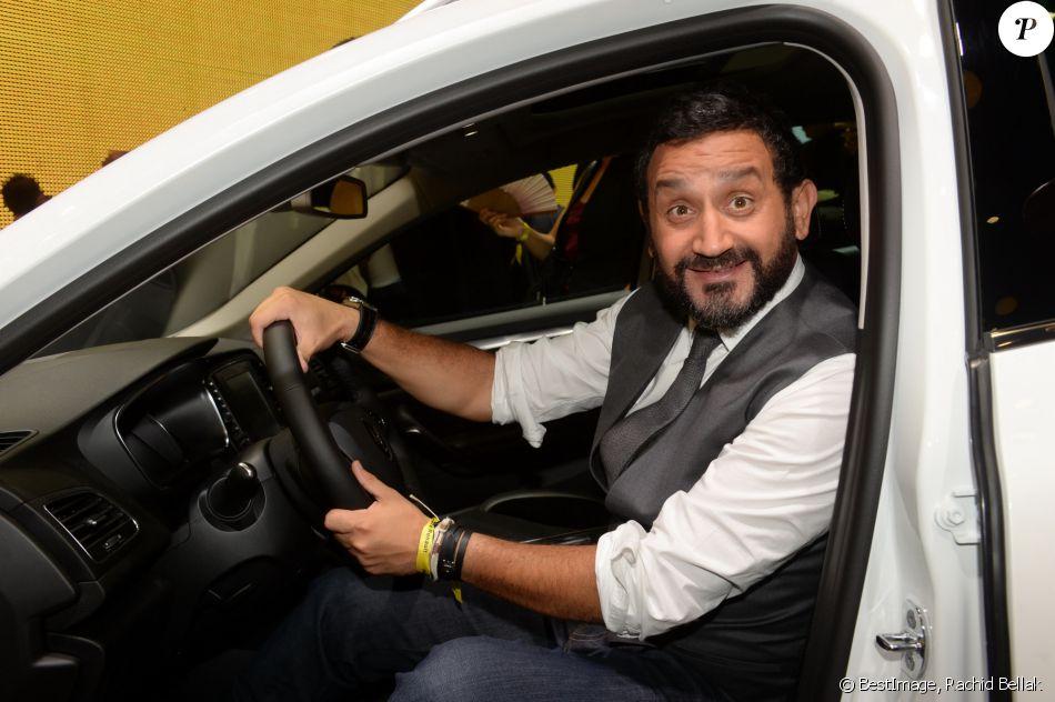 Cyril Hanouna Pr Sentation Du Renault Trezor Concept Car Lectrique Pendant La 119 Me Dition