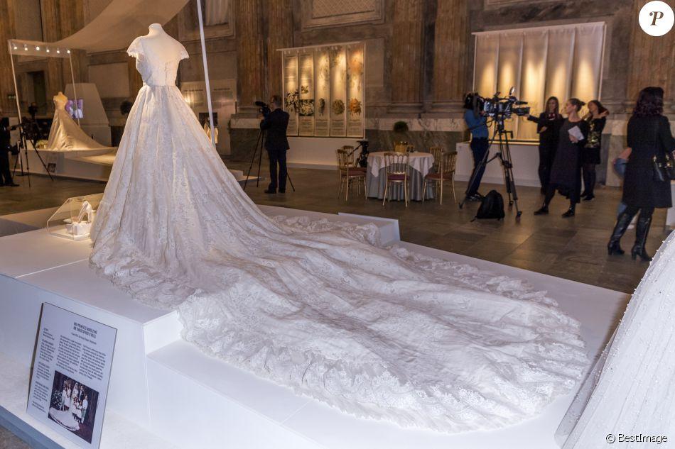 robe de mari e de la princesse madeleine de su de lors de