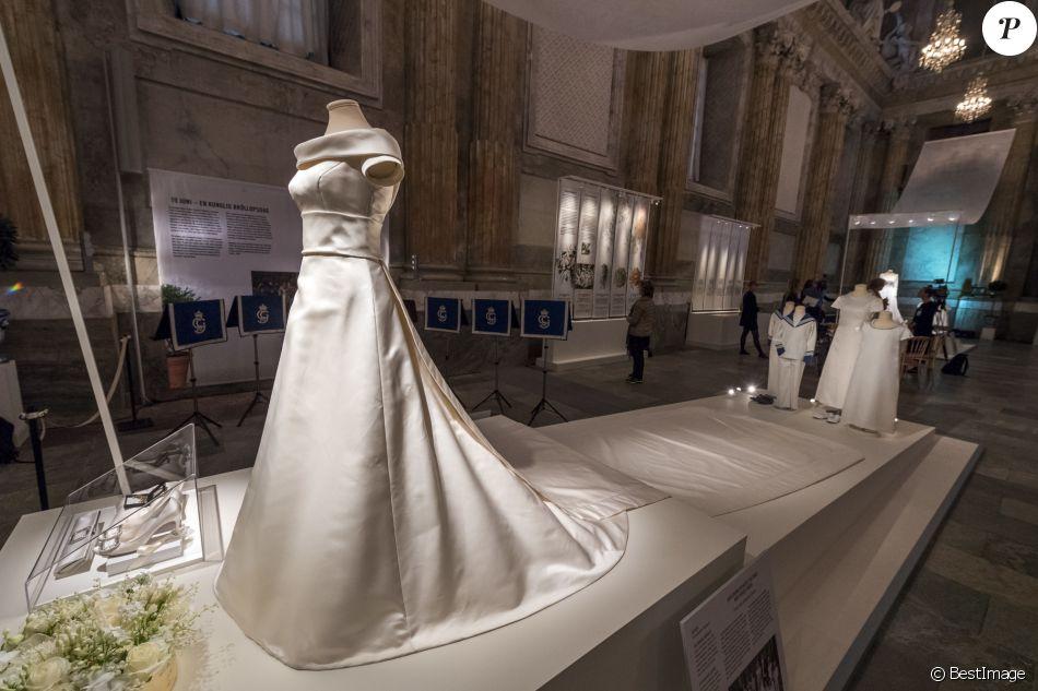 Robe de mariage de la princesse victoria de su de lors de for Code de robe de mariage de palais de justice