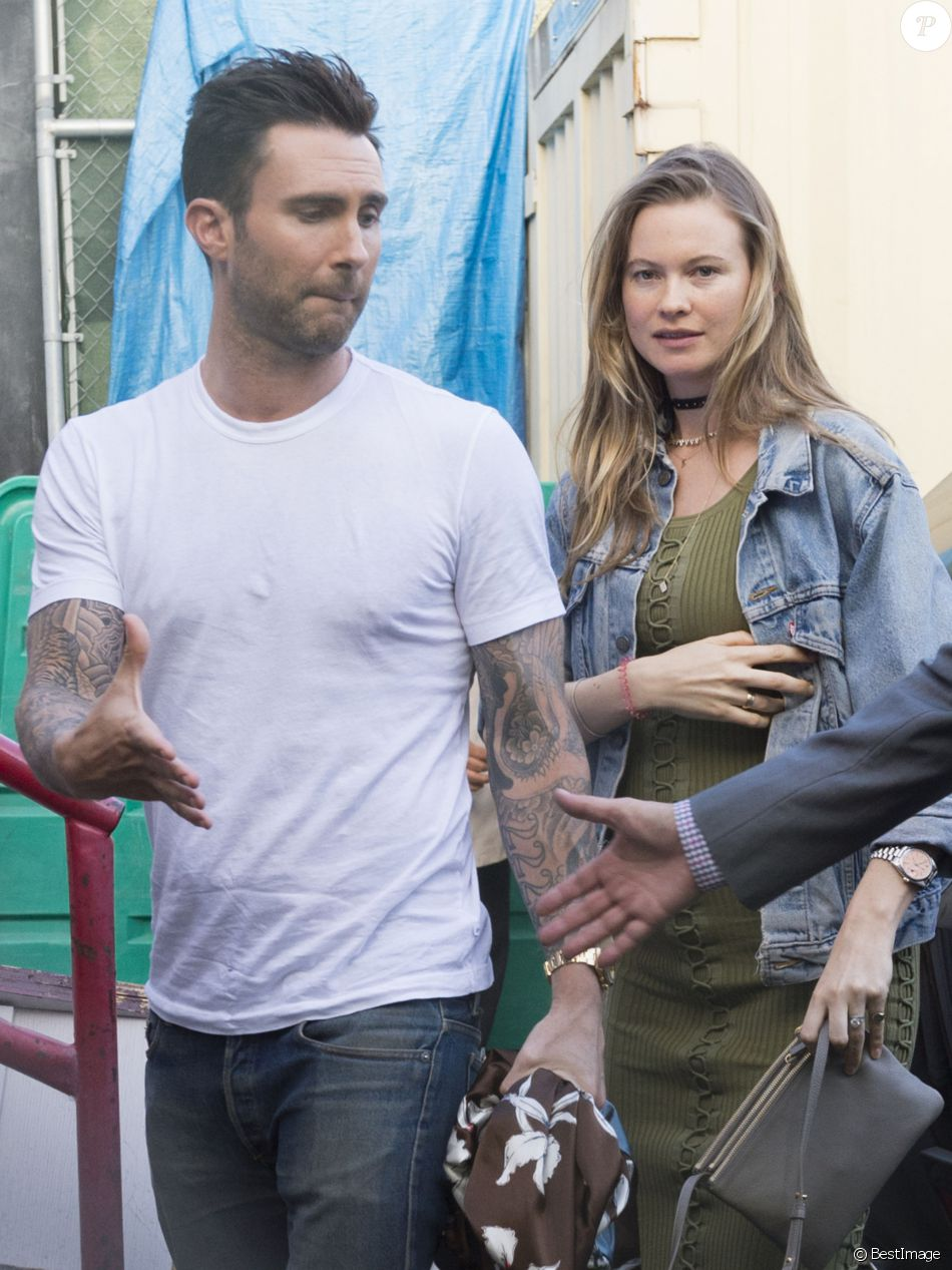Maroon 5 on mtv dating show 3