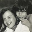 Emmanuelle Seigner dévoile ses enfants Morgane et Elvis Polanski lorsqu'ils étaient enfants.
