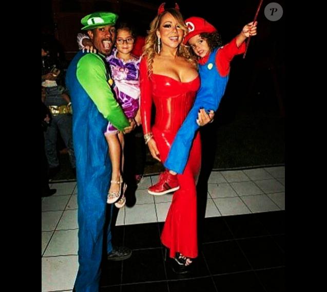 Nick Cannon, Mariah Carey et leurs enfants à la soirée d'Halloween de la chanteuse. Photo publiée sur Instagram le 24 octobre 2016