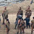 """Peter Dinklage et Kit Harington sur le tournage de la série """"Game of Thrones 7"""" à Zumaia en Espagne le 24 octobre 2016."""