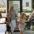 Exclusif -Gwyneth Paltrow, Chris Martin et leurs enfants Apple et Moses quittent l'ile de Majorque en Espagne apres quelque jours de vacances dans la maison de l'acteur Americain Michael Douglas le 14 juillet 2013.