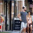 Semi-Exclusif - Benoît Paire et Shy'm se promènent dans les rues de Brooklyn à New York, le 23 août 2016, avant le début de l'US Open.