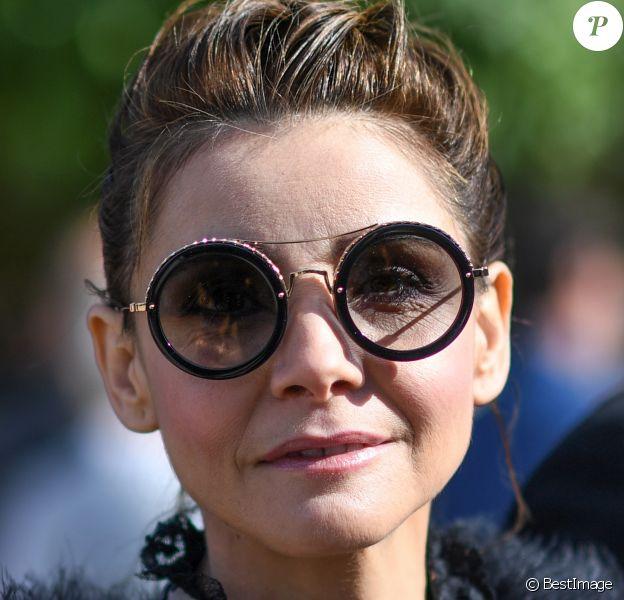 """Clotilde Courau - People arrivant au défilé de mode """"Elie Saab"""", collection prêt-à-porter Printemps-Eté 2017 à Paris, le 1er octobre 2016."""