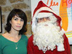 PHOTOS : Quand la très jolie Valérie Kaprisky, Laura Flessel et Bob Sinclar s'amusent avec un Père Noël vert !