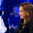 Elsa Zylberstein parle de son casting pour Pulp Fiction et de l'invitation de François Hollande en Inde sur le plateau de l'émission On n'est pas couché (France 2 - 5 novembre 2016)