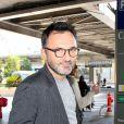 Frédéric Lopez arrive à l'aéroport de Nice pour le 69ème Festival International du film de Cannes le 17 mai 2016.