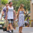 Exclusive - Audrina Patridge (enceinte) avec son compagnon Corey Bohan se relaxent sur une plage de Hawaï le 14 Avril 2016.
