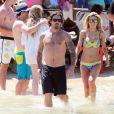 Exclusif - Audrina Patridge et son compagnon Corey Bohan se détendent à la plage de Cabo le 13 juin 2015.
