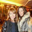 """Axelle Laffont et une amie - Le prix de Flore 2016 pour Nina Yargekov et sa """"Double nationalité"""" au Café de Flore à Paris, France, le 8 novembre 2016."""