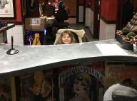 Coeur de Pirate : Sa fille Romy de passage chez le tatoueur...