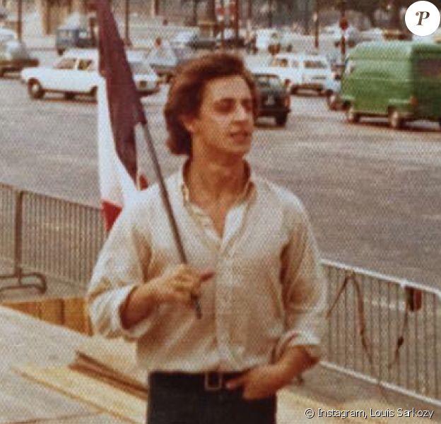 """""""Certaines histoires d'amour ne se finissent jamais..."""" Louis Sarkozy rend hommage à son père Nicolas sur Instagram, au lendemain de sa défaite au premier tour de la primaire de la droite et du centre, le 21 novembre 2016."""