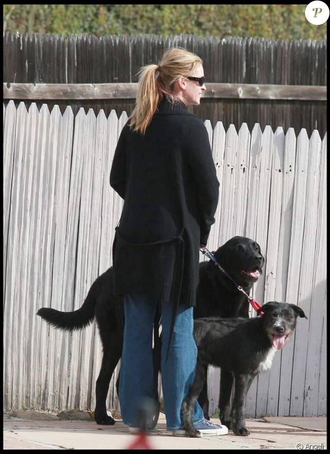 julia roberts ses chiens et son voisin. Black Bedroom Furniture Sets. Home Design Ideas