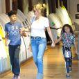 Heidi Klum et ses enfants Leni, Henry, Johan et Lou à West Hollywood. Le 23 novembre 2016.