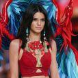 Kendall Jenner - Défilé Victoria's Secret Paris 2016 au Grand Palais à Paris, le 30 novembre 2016. © Cyril Moreau/Bestimage