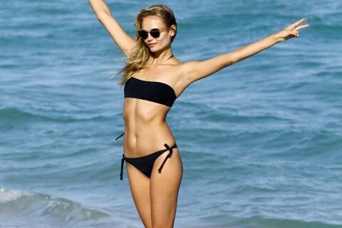 Natasha Poly : En vacances avec sa fille, le top model s'éclate