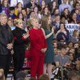 Jon Bon Jovi, Lady Gaga, Hillary Clinton et sa fille Chelsea Clinton - Dernier meeting de Hillary Clinton, candidate démocrate aux élections présidentielles américaines, à Raleigh. Le 8 novembre 2016 © Randy Brawdy / Zuma Press / Bestimage