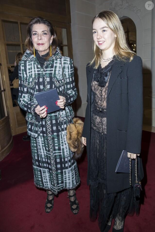 La princesse Caroline de Monaco et sa fille la princesse Alexandra de Hanovre - Défilé Chanel Métiers d'Art 2016-2017 au Ritz à Paris, le 6 décembre 2016. © Olivier Borde/Bestimage