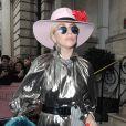 Lady Gaga sort de son hôtel The Langham Hotel à Londres, le 7 décembre 2016.