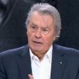 Alain Delon donne des nouvelles de Mireille Darc sur le plateau du journal de 20h de France 2 le 11 décembre 2016