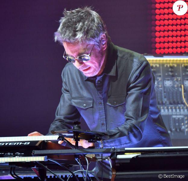 """Jean-Michel Jarre en concert à l'AccorHotels Arena POPB Bercy lors de sa tournée """"Electronica World Tour"""" à Paris. Le 12 décembre 2016 © Lionel Urman / Bestimage"""