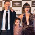 """Paul W.S. Anderson, sa fille et Milla Jovovich lors de la première mondiale de """"Resident Evil: The Final Chapter"""" à Tokyo, le 13 décembre 2016."""