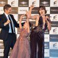 """Paul W.S. Anderson, Milla Jovovich et leur fillelors de la première mondiale de """"Resident Evil: The Final Chapter"""" à Tokyo, le 13 décembre 2016."""