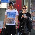 Exclusif - Premières photos depuis leur mariage (le 18 septembre dernier) d' Isabella Cruise et son mari Max Parker dans les rues de Londres le 31 octobre 2015.