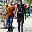 Exclusif - Paris Jackson et son petit ami Michael Snoddy se baladent en amoureux dans les rues de Los Angeles, le 11 octobre 2016